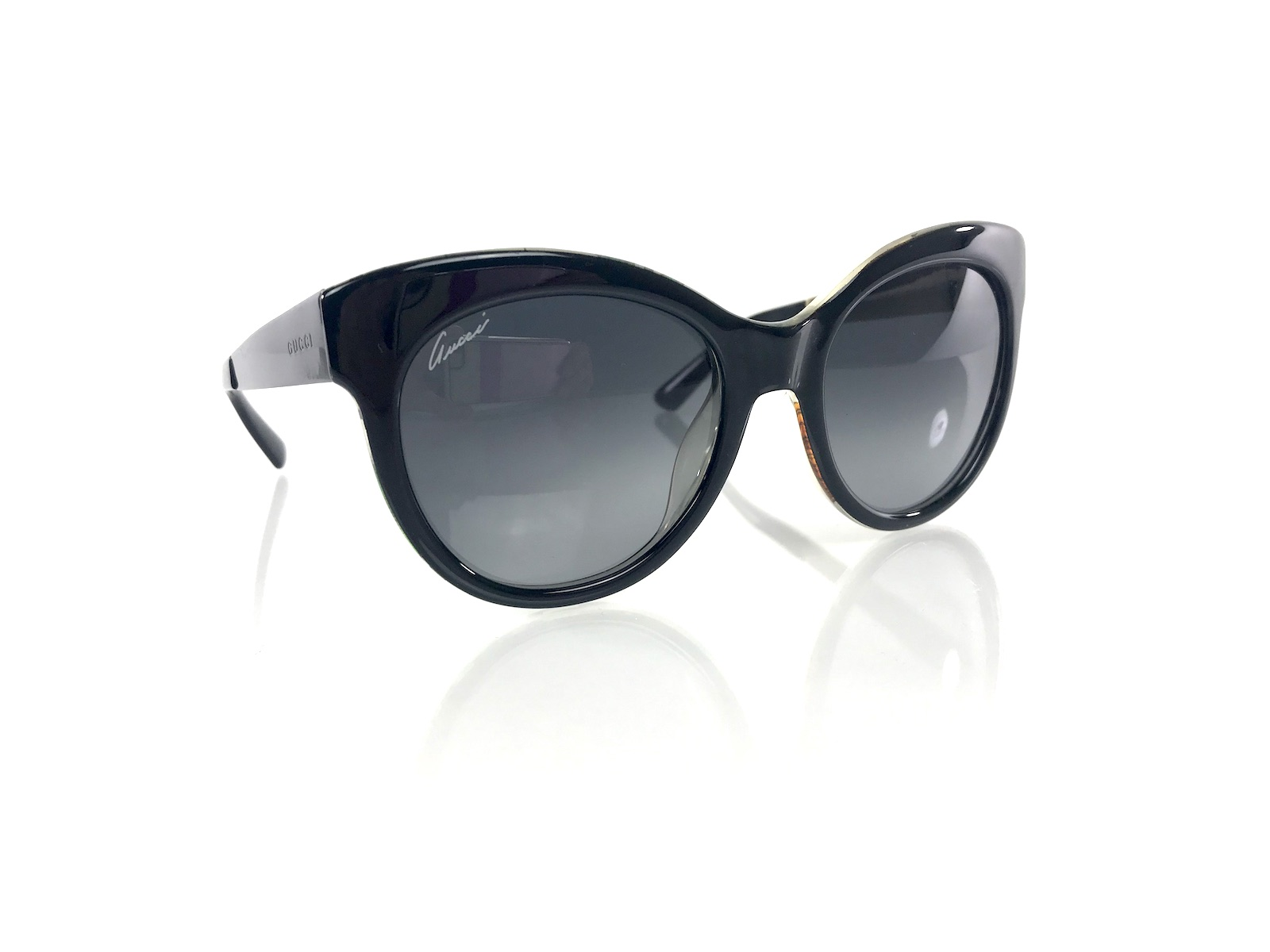 c9c838a35 Gucci Acetate Oversized Cat-Eye Floral Sunglasses – Fashion Reloved